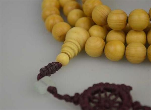 黄杨木手串的功效与作用 黄杨木手串多久会变红