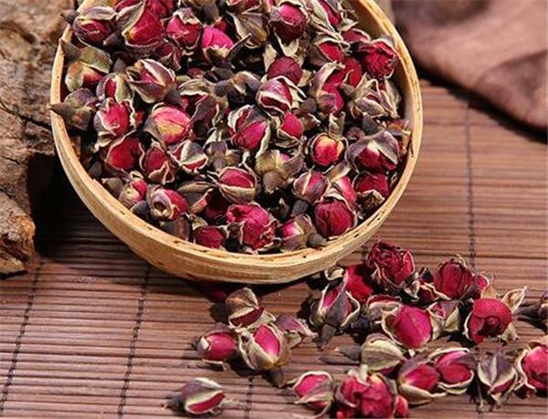 喝玫瑰花茶的好处 玫瑰花茶搭配方法