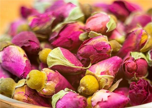 玫瑰花茶一次放几朵 玫瑰花茶可以天天喝吗