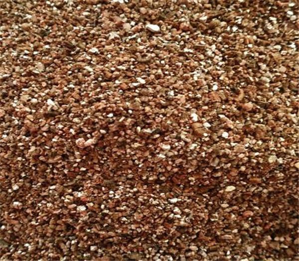 蛭石与珍珠岩种花哪个好 蛭石怎么配土
