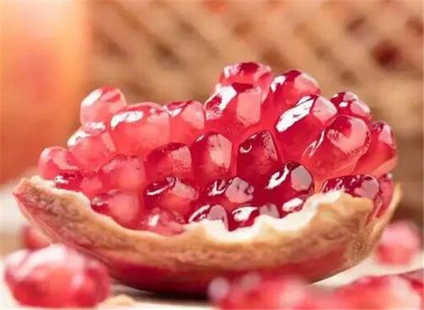 甜石榴的功效与作用 甜石榴和酸石榴区别